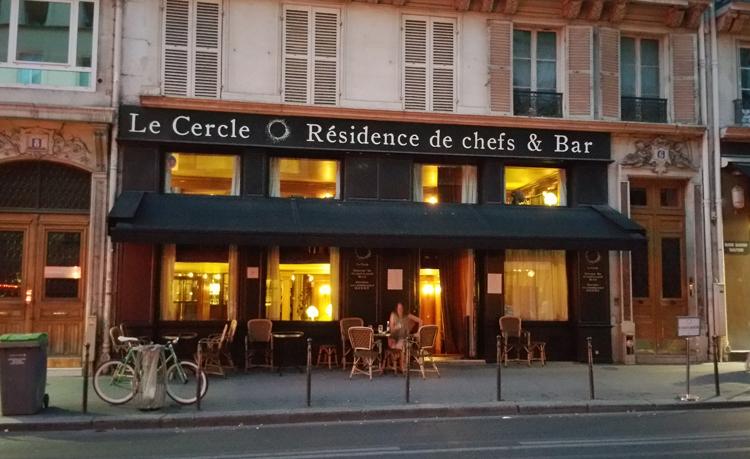 1507_Cercle_OlivierStreiff_devanture-soir_750